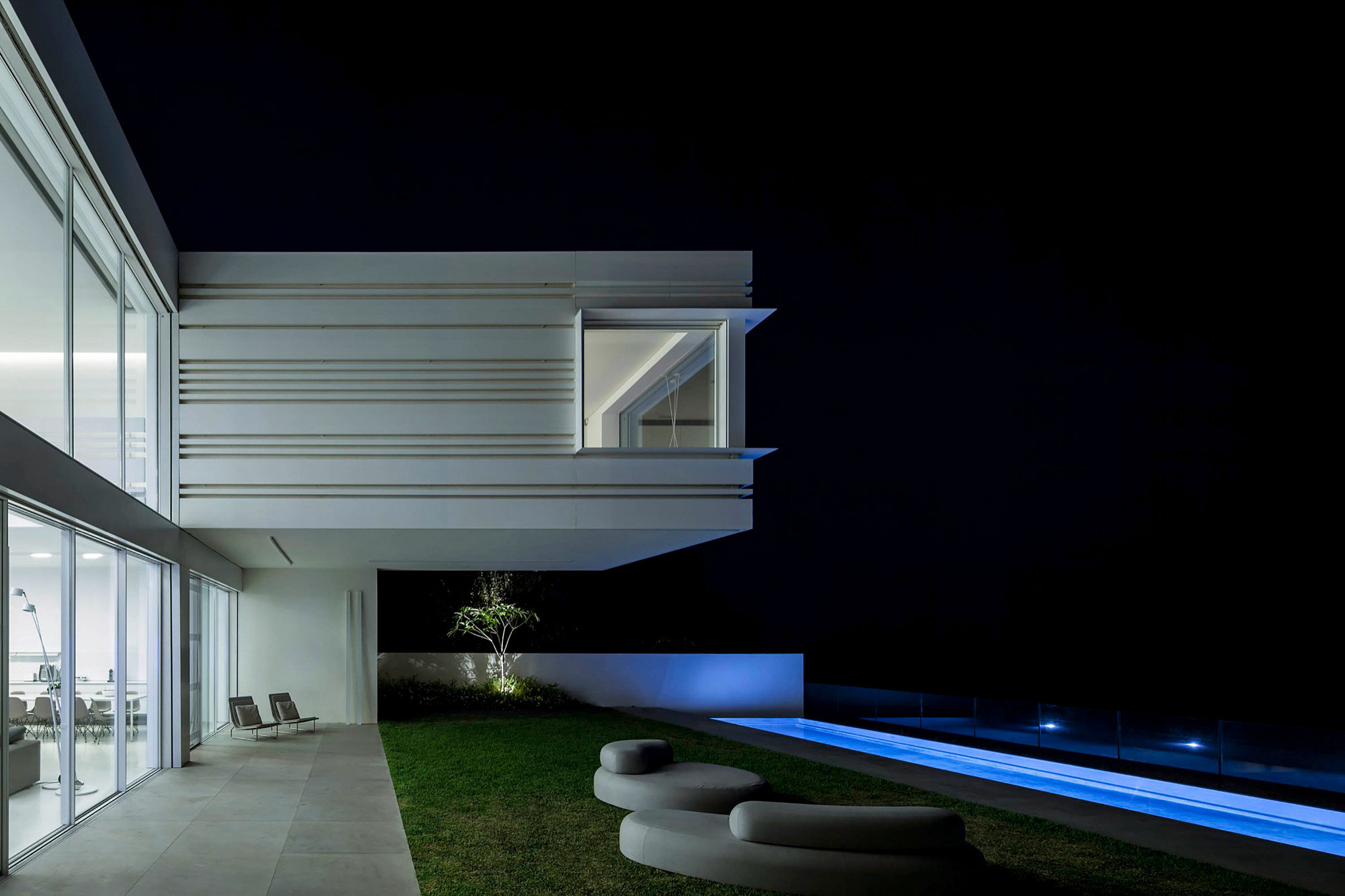 Luminous A House by the Sea home with Mediterranean Sea views by Pitsou Kedem Architects-22