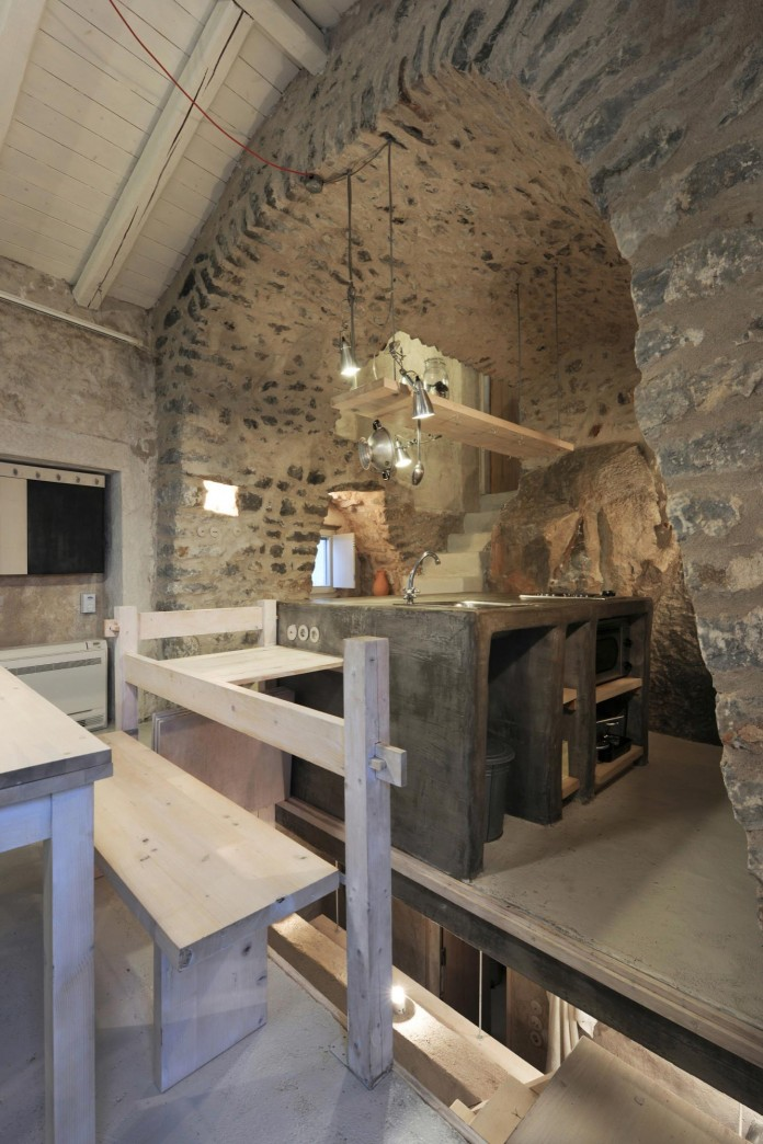 Maina Villa located on an abandoned 18th century megalithic two-storey building by Z-level-19