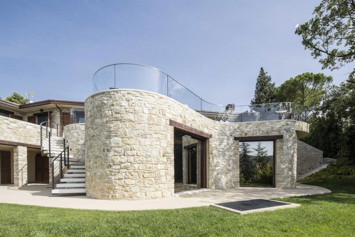 Modern-private-house-in-Perugia-by-Giammetta-Architects-01