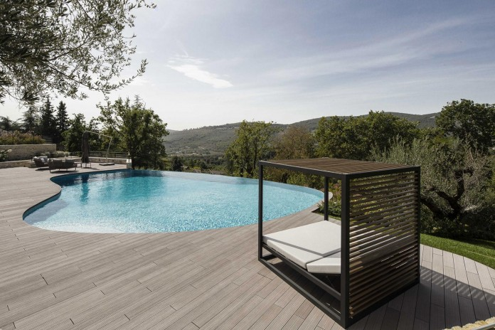 Modern-private-house-in-Perugia-by-Giammetta-Architects-02