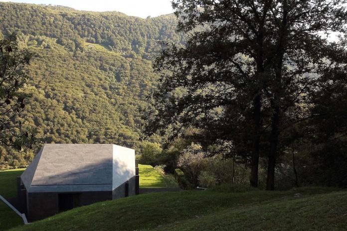 Montebar-Villa-by-JMA-12