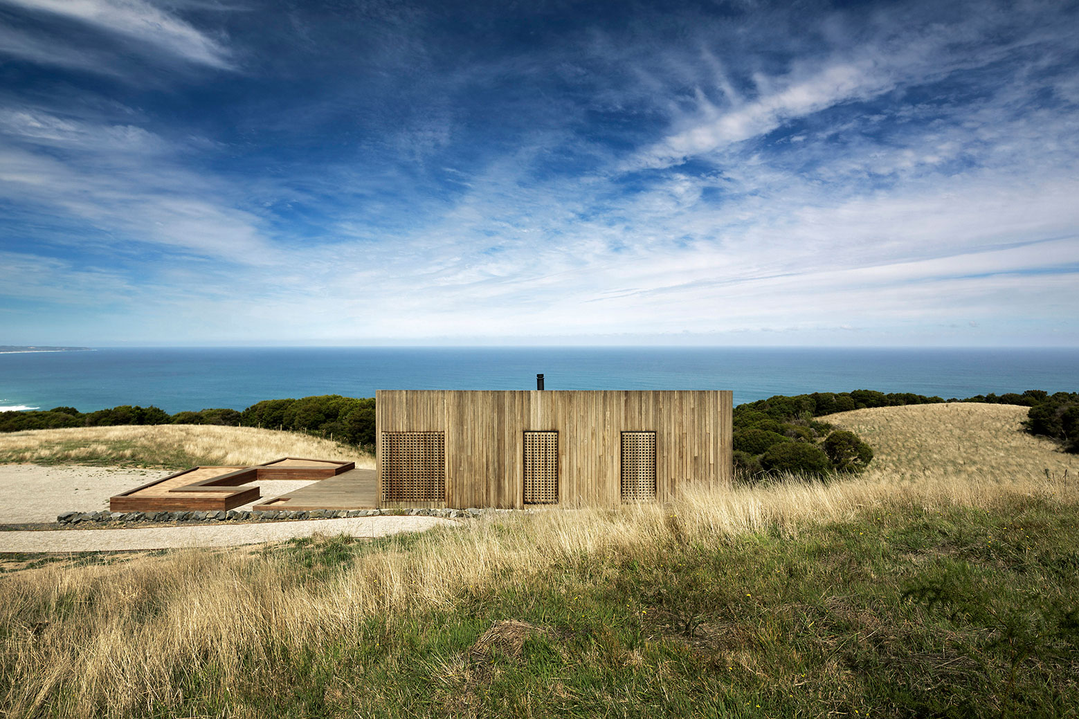 Moonlight cabin retreat with great sea views by Jackson Clements Burrows-01