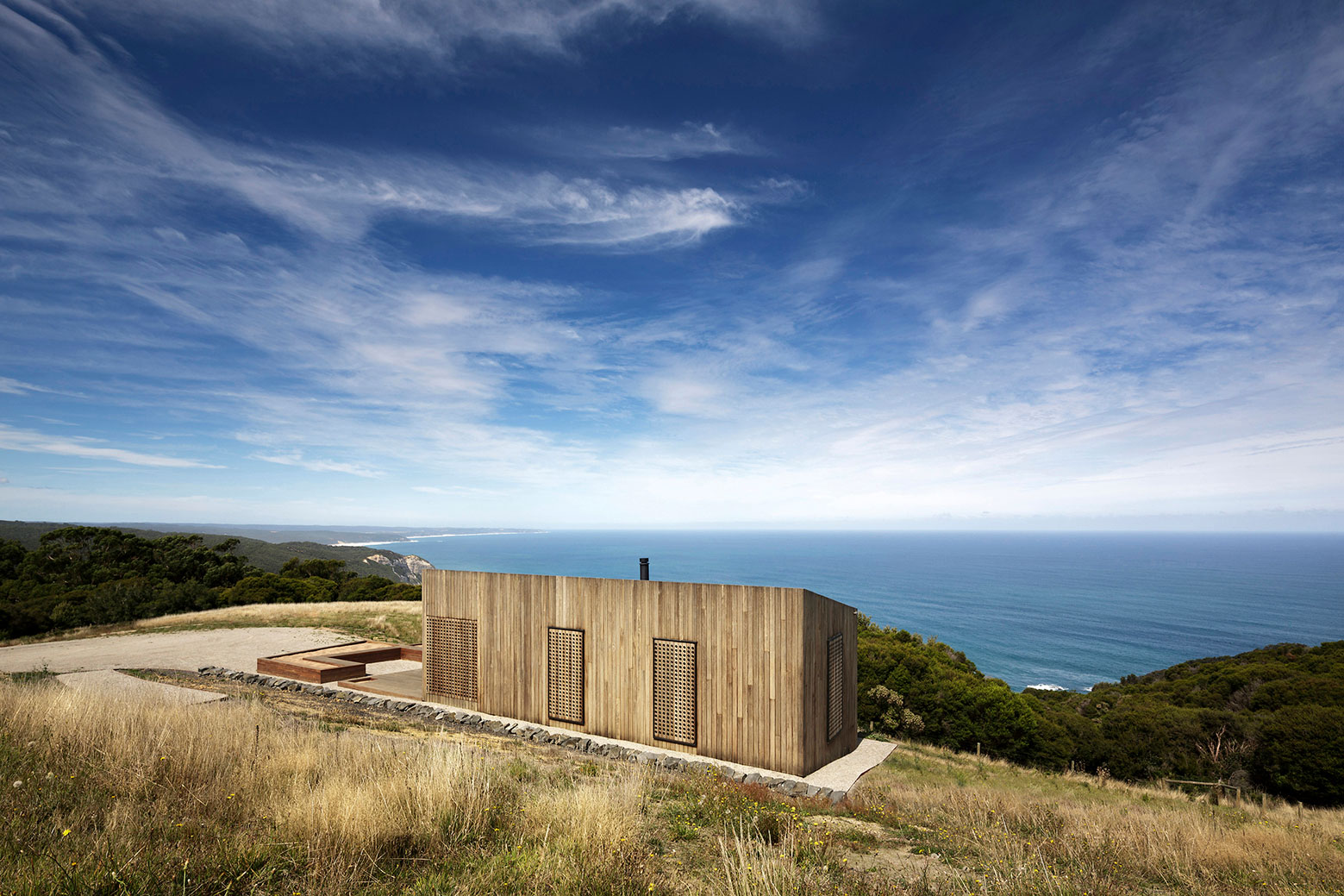 Moonlight cabin retreat with great sea views by Jackson Clements Burrows-02