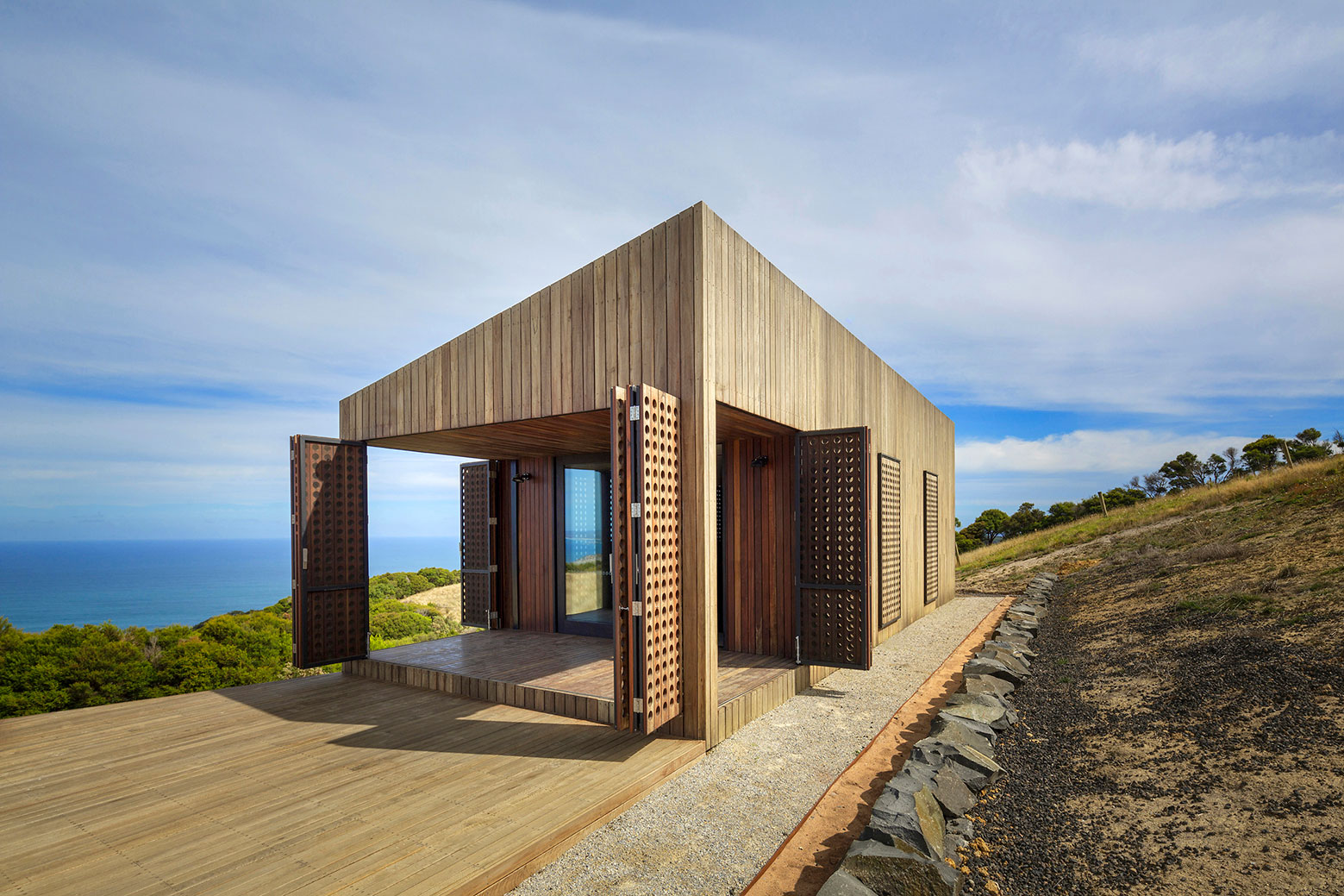 Moonlight cabin retreat with great sea views by Jackson Clements Burrows-04