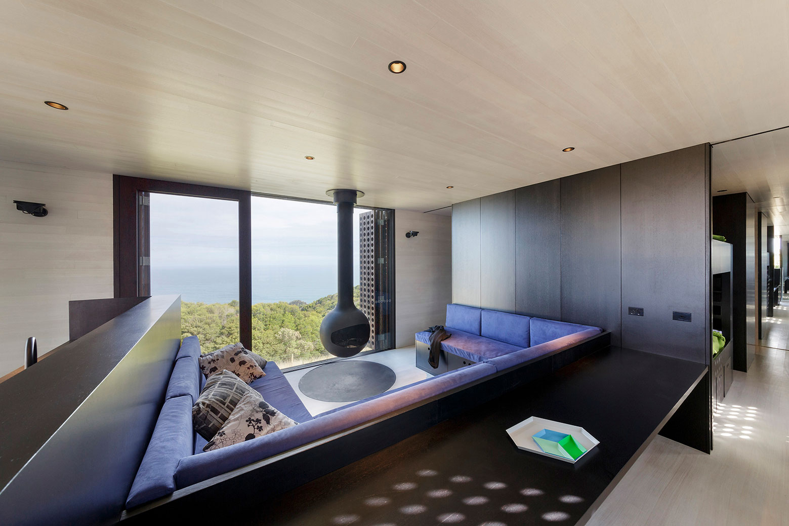 Moonlight cabin retreat with great sea views by Jackson Clements Burrows-06