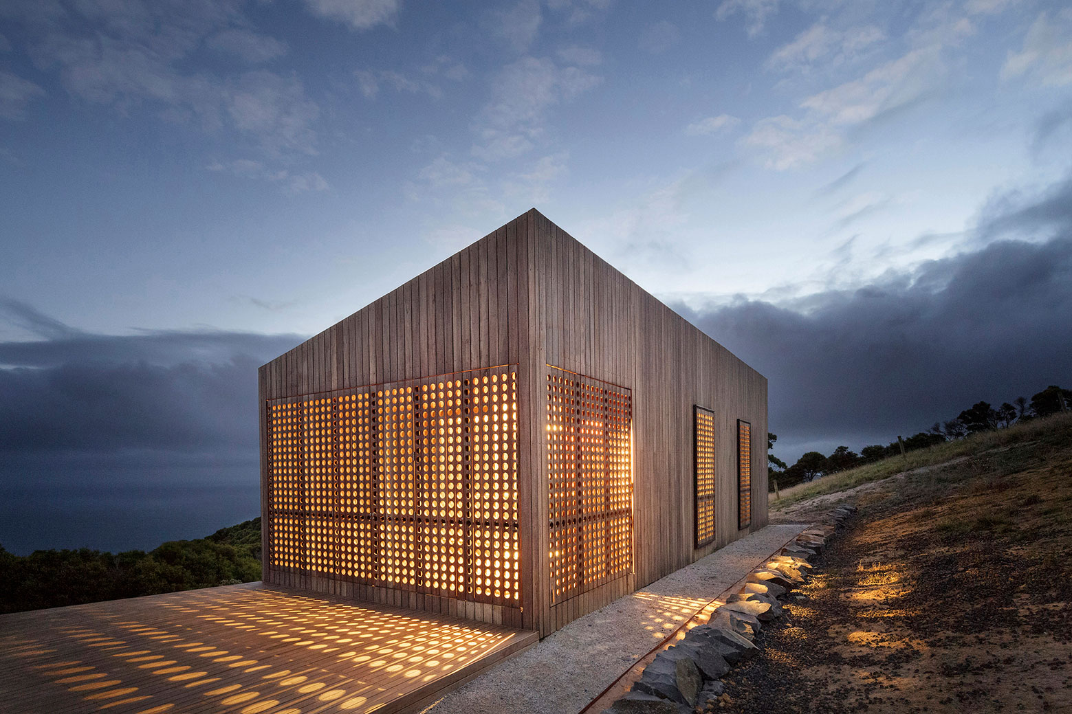 Moonlight cabin retreat with great sea views by Jackson Clements Burrows-10