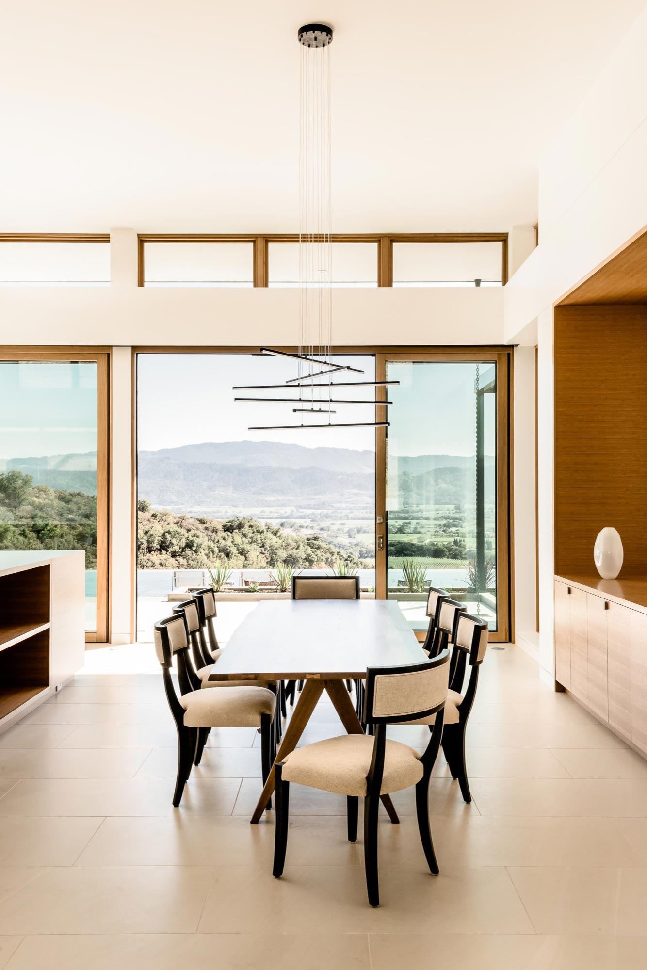 Oakville View Residence by John Maniscalco CAANdesign