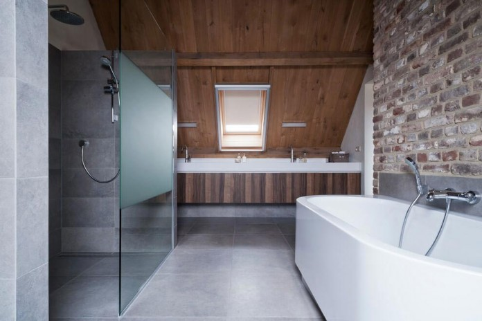 Project-V-old-home-converted-into-contemporary-traditional-residence-by-Doret-Schulkes-Interieurarchitecten-12