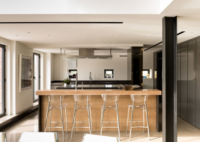 Redpath industrial chic apartment by Les Ensembliers-12