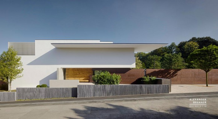 SOL-House-by-Alexander-Brenner-Architects-15