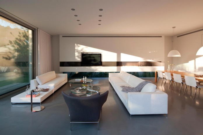 SP-House-by-Yulie-Wollman-06