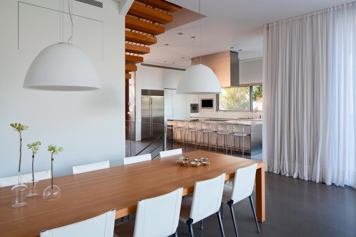SP-House-by-Yulie-Wollman-14