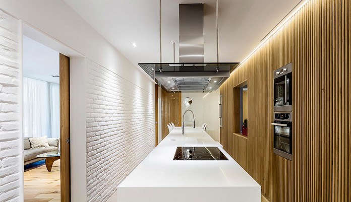 Sculptured-Central-Nucleus-Apartment-in-Barcelona-by-Sergi-Pons-architects-07