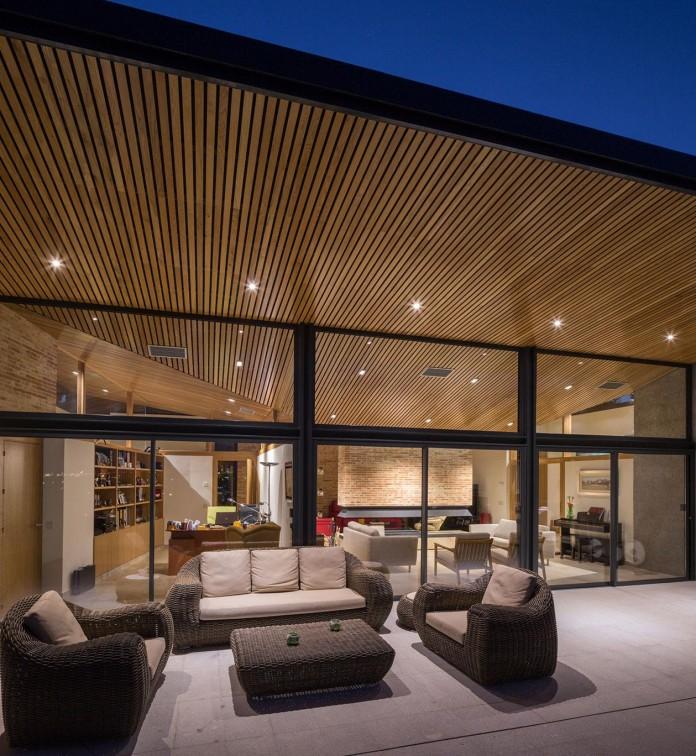 Single-Family-Brick-House-in-Molino-de-la-Hoz-by-Mariano-Molina-Iniesta-13