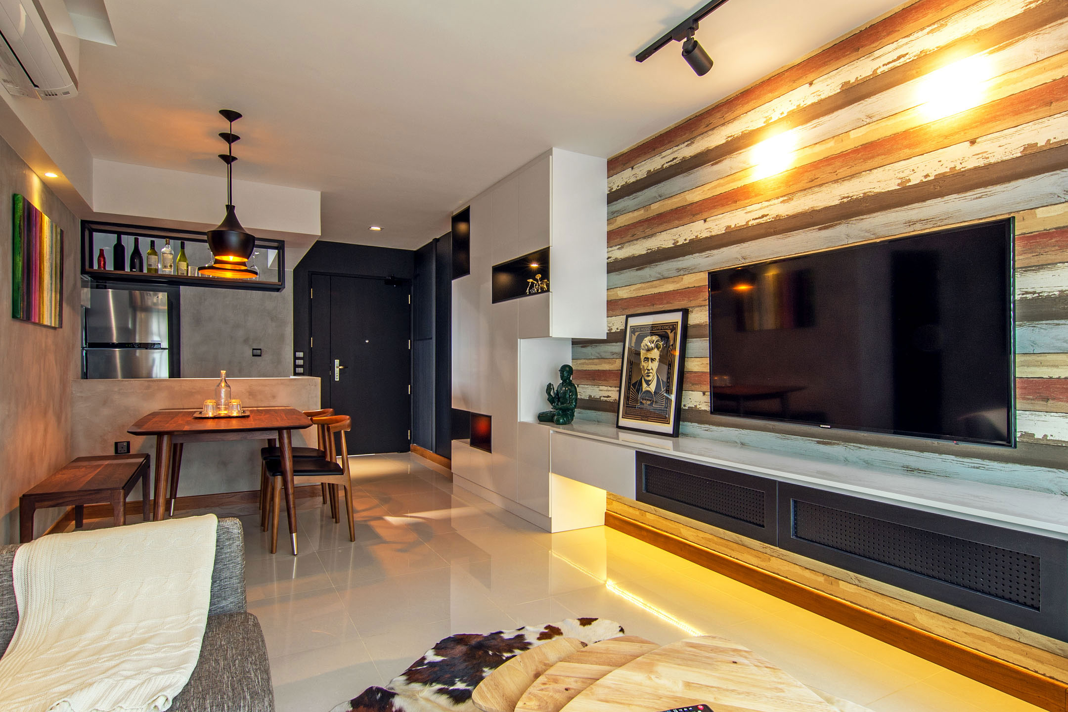 Stylish Apartment For Young Couple In Singapore By Vievva Designers 07