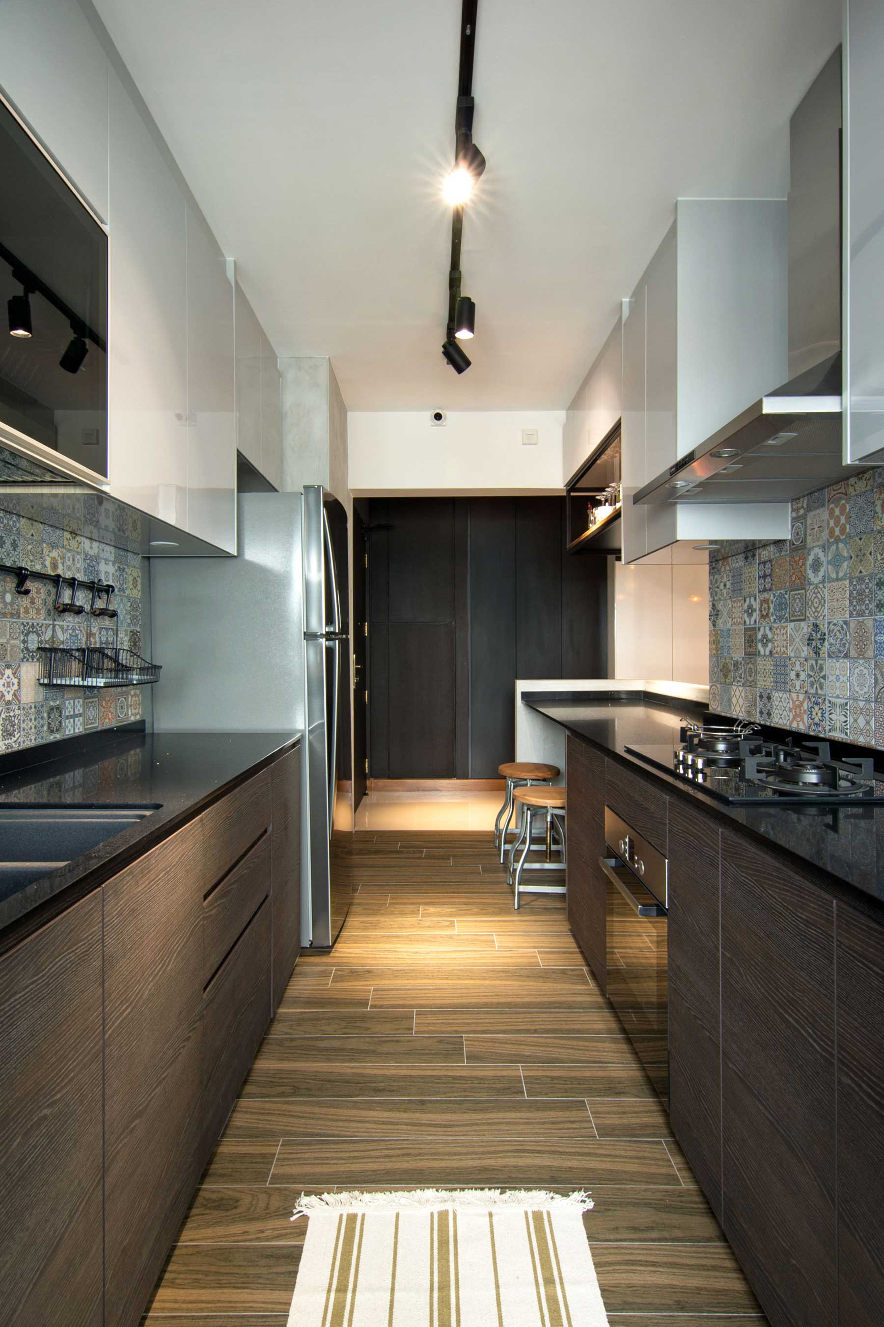 Stylish Apartment For Young Couple In Singapore By Vievva Designers 12
