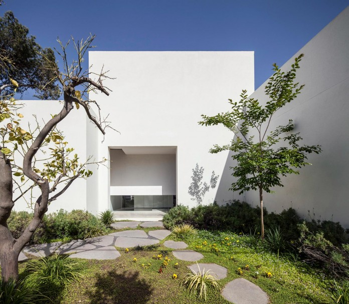 T:A House by Paritzki & Liani Architects-04