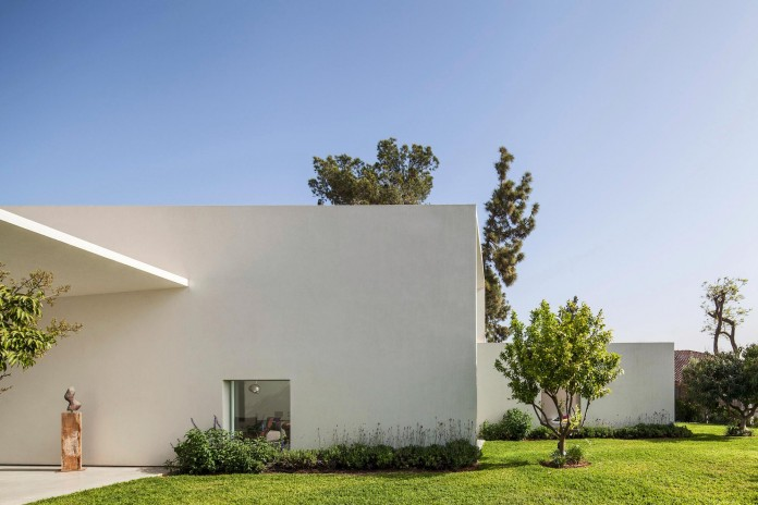 T:A House by Paritzki & Liani Architects-05