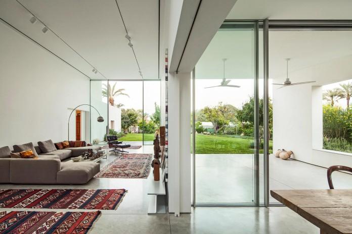T:A House by Paritzki & Liani Architects-08