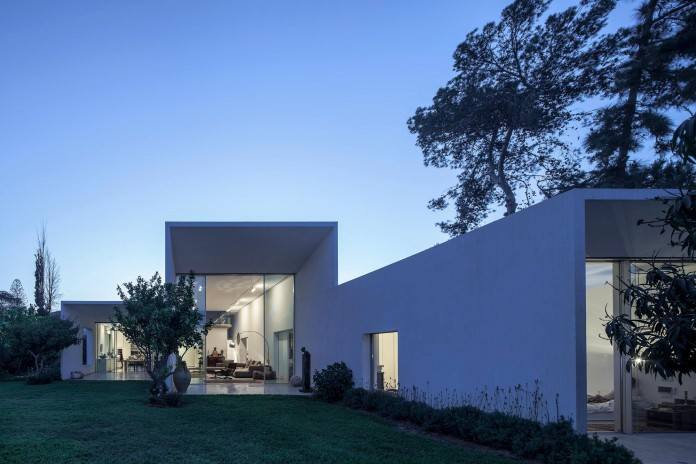 T:A House by Paritzki & Liani Architects-18