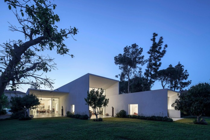 T:A House by Paritzki & Liani Architects-19