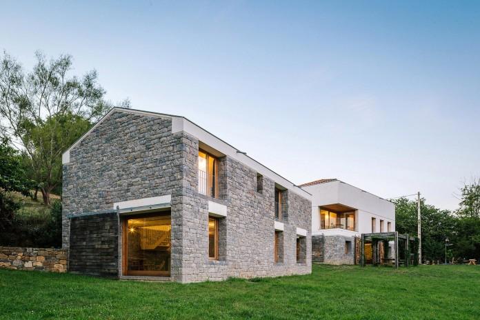 TMOLO-House-by-PYO-arquitectos-01