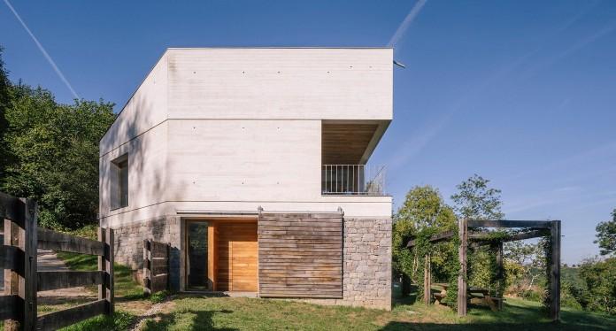 TMOLO-House-by-PYO-arquitectos-05