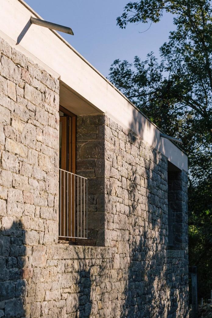 TMOLO-House-by-PYO-arquitectos-06