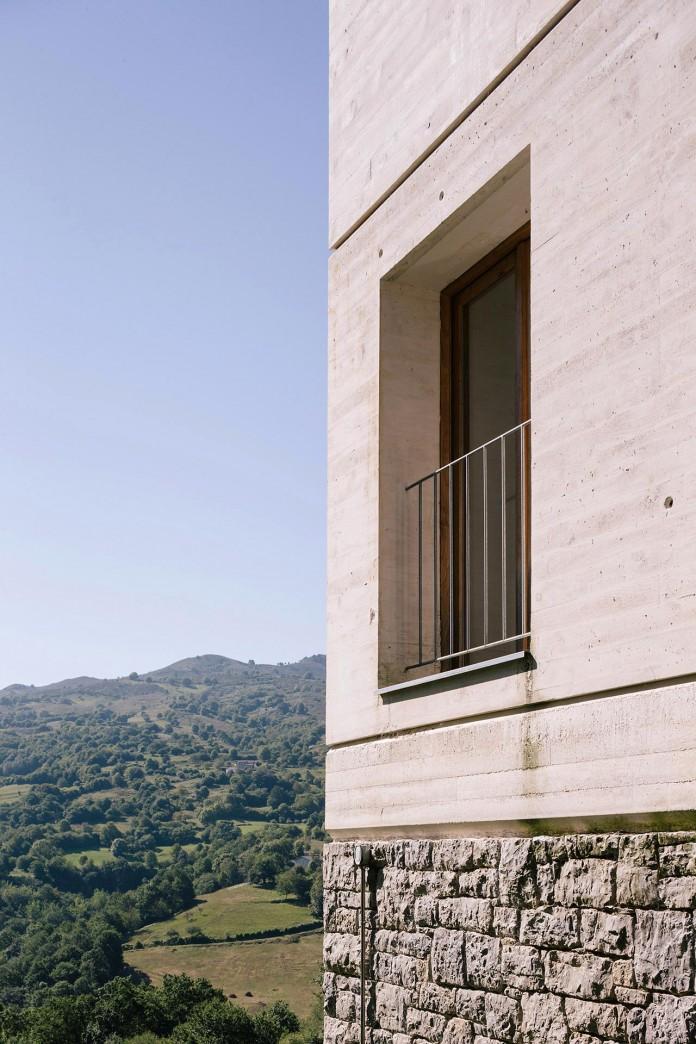 TMOLO-House-by-PYO-arquitectos-07