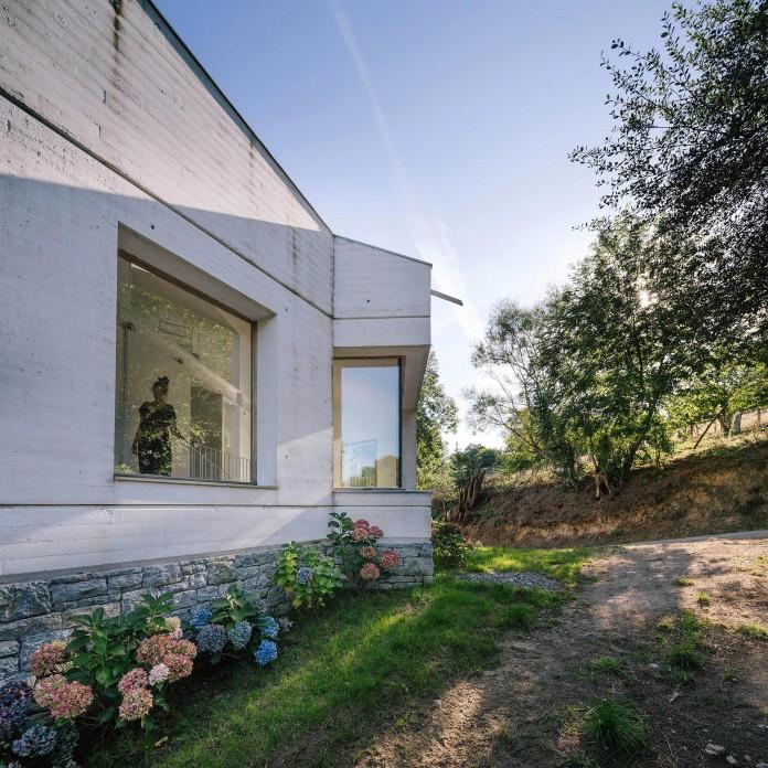 TMOLO-House-by-PYO-arquitectos-08