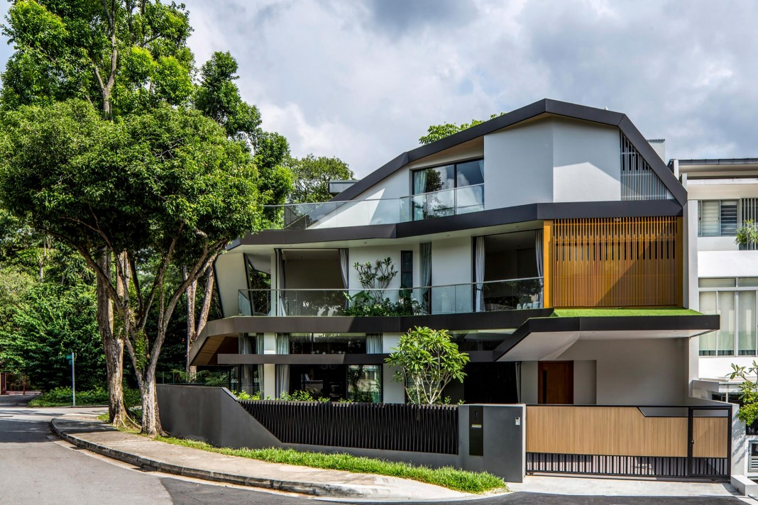 Trevose house situated near alushly planted residential - Home designers near me ...