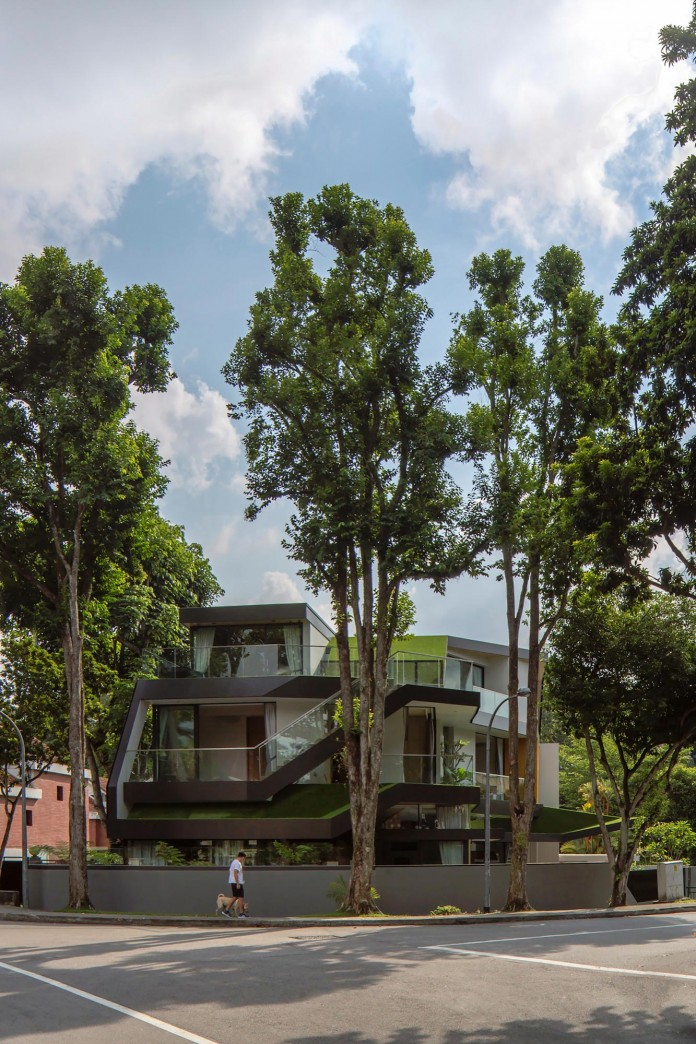Trevose-House-situated-in-a-lushly-planted-residential-neighbourhood-in-Singapore-A-D-LAB-02