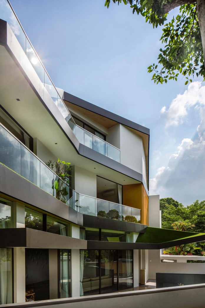 Trevose-House-situated-in-a-lushly-planted-residential-neighbourhood-in-Singapore-A-D-LAB-03