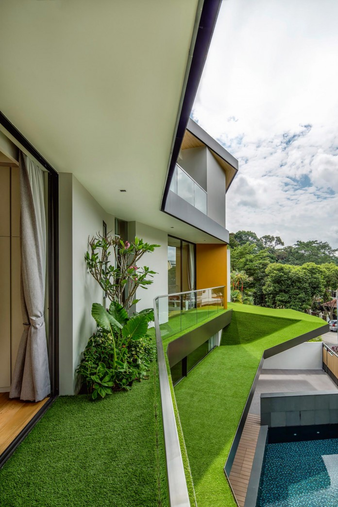 Trevose-House-situated-in-a-lushly-planted-residential-neighbourhood-in-Singapore-A-D-LAB-04