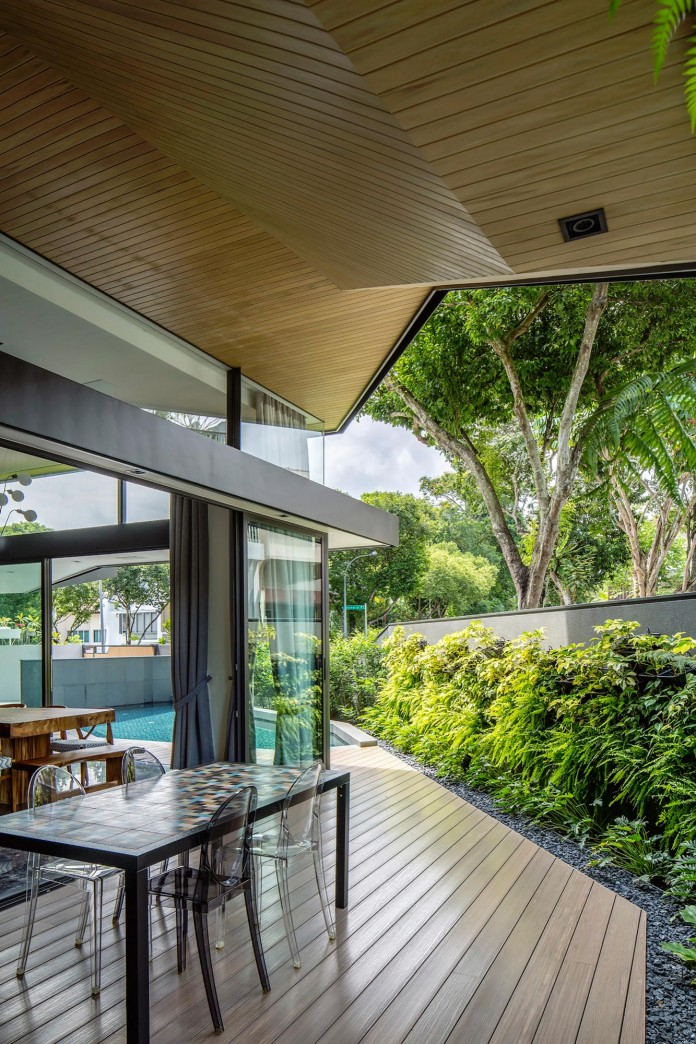 Trevose-House-situated-in-a-lushly-planted-residential-neighbourhood-in-Singapore-A-D-LAB-06