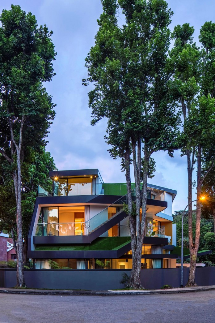 Trevose-House-situated-in-a-lushly-planted-residential-neighbourhood-in-Singapore-A-D-LAB-07