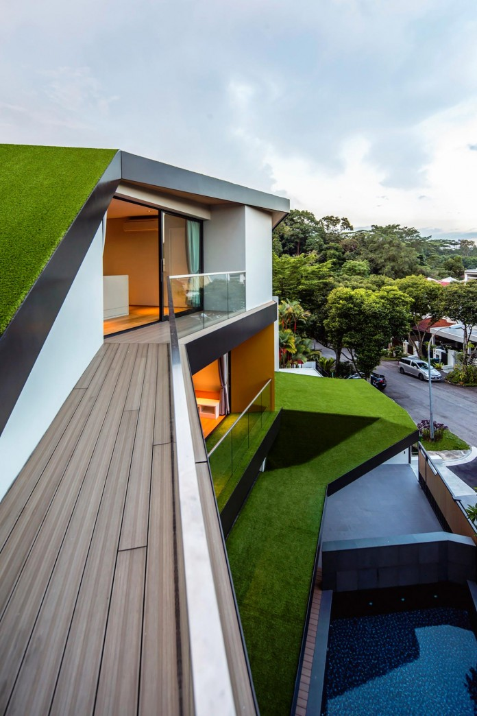 Trevose-House-situated-in-a-lushly-planted-residential-neighbourhood-in-Singapore-A-D-LAB-11