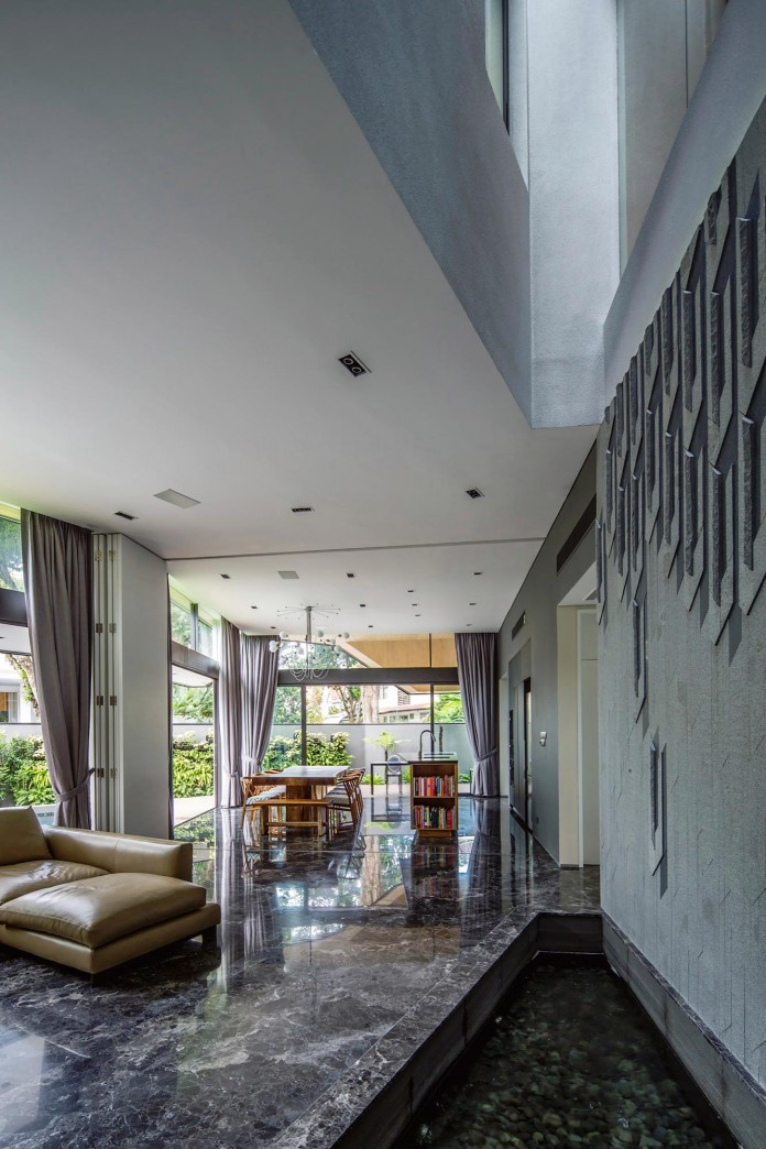 Trevose-House-situated-in-a-lushly-planted-residential-neighbourhood-in-Singapore-A-D-LAB-13