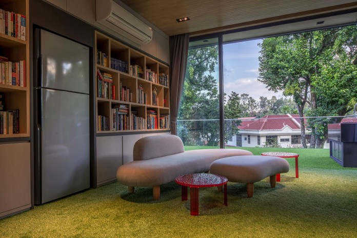 Trevose-House-situated-in-a-lushly-planted-residential-neighbourhood-in-Singapore-A-D-LAB-15