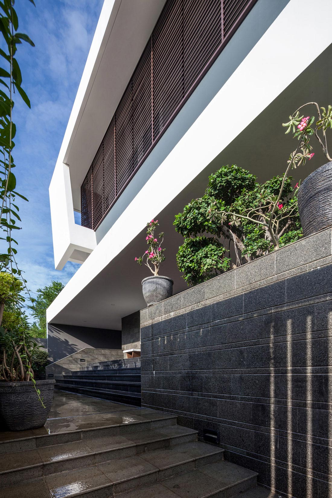 Tropical Design Approach Of Modern B M Residence By Dp Hs