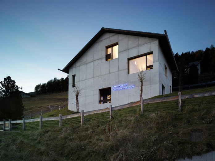 Tschudi-House-by-Men-Duri-Arquint-23