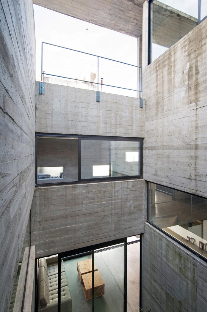 Two-Conesa-Houses-located-in-Buenos-Aires-by-BAK-Arquitectos-18