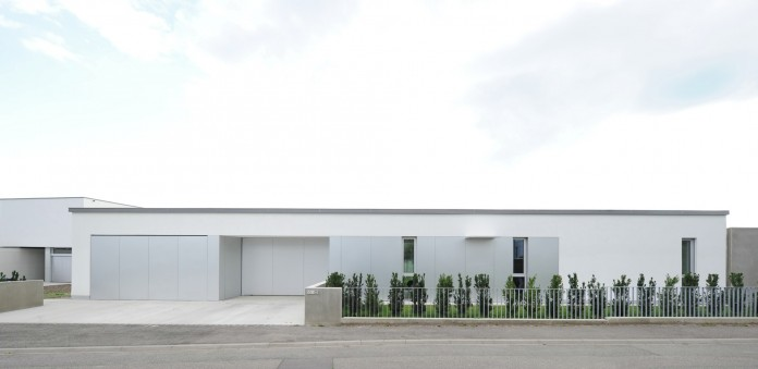 Villa V by Henner + Roland Architectes-02