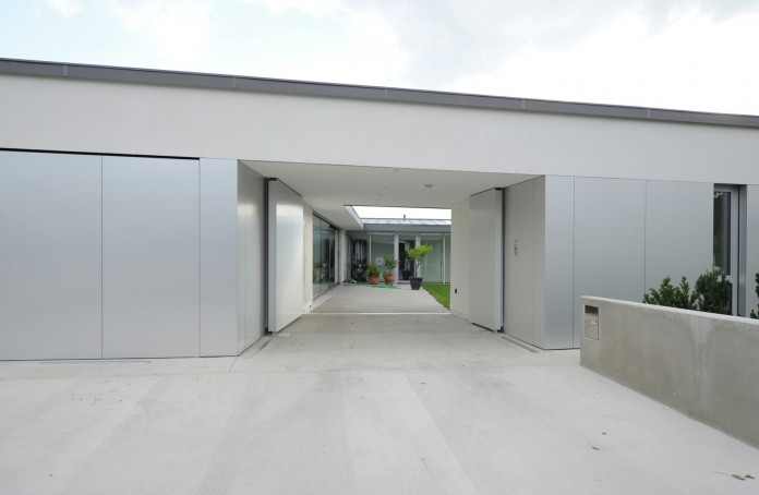Villa V by Henner + Roland Architectes-03