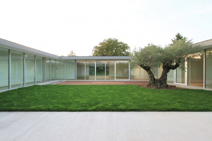 Villa V by Henner + Roland Architectes-05