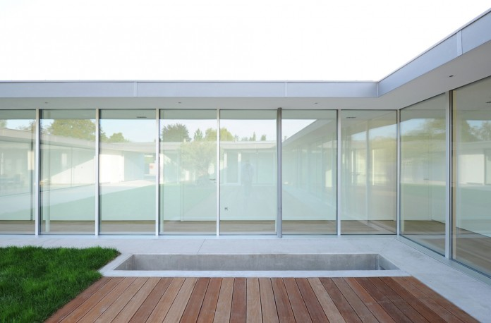 Villa V by Henner + Roland Architectes-06