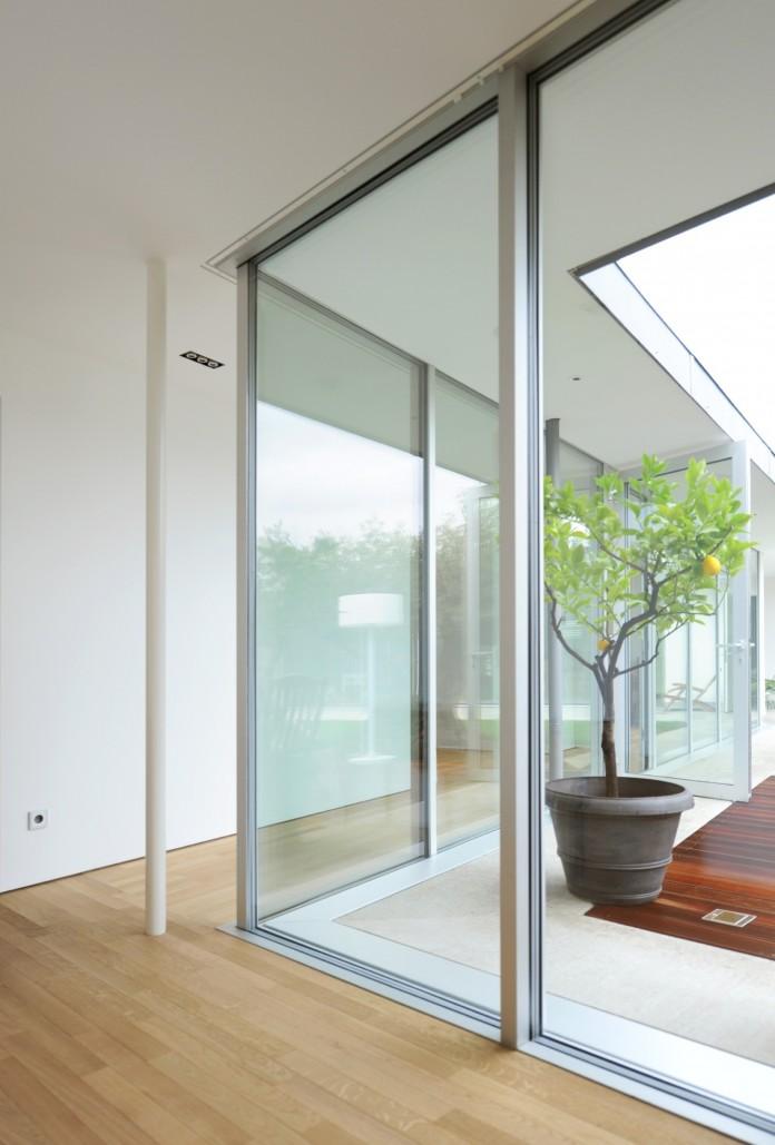 Villa V by Henner + Roland Architectes-07