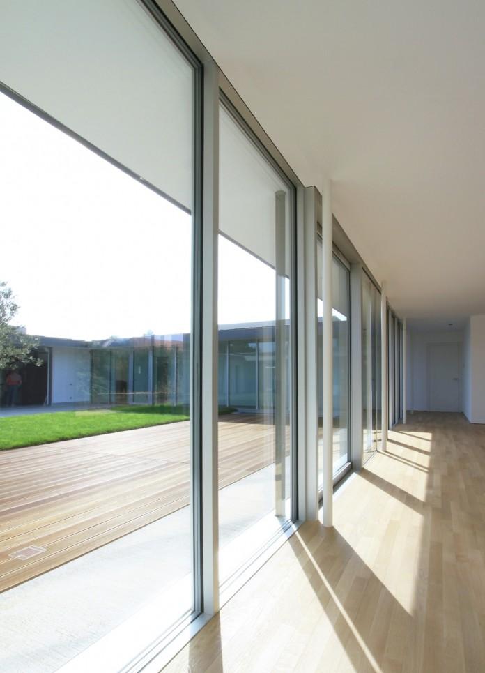 Villa V by Henner + Roland Architectes-08