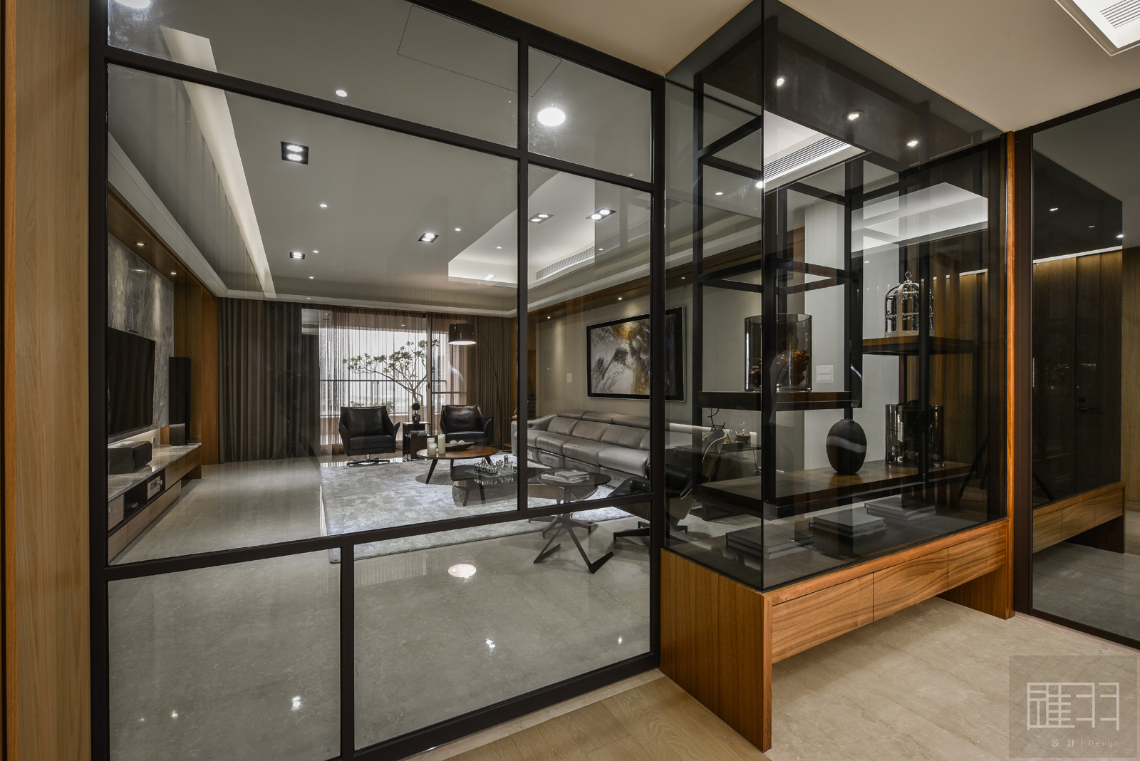 Wood and earthy colour palette modern apartment by Manson Hsiao of Hui-yu Interior Design-02