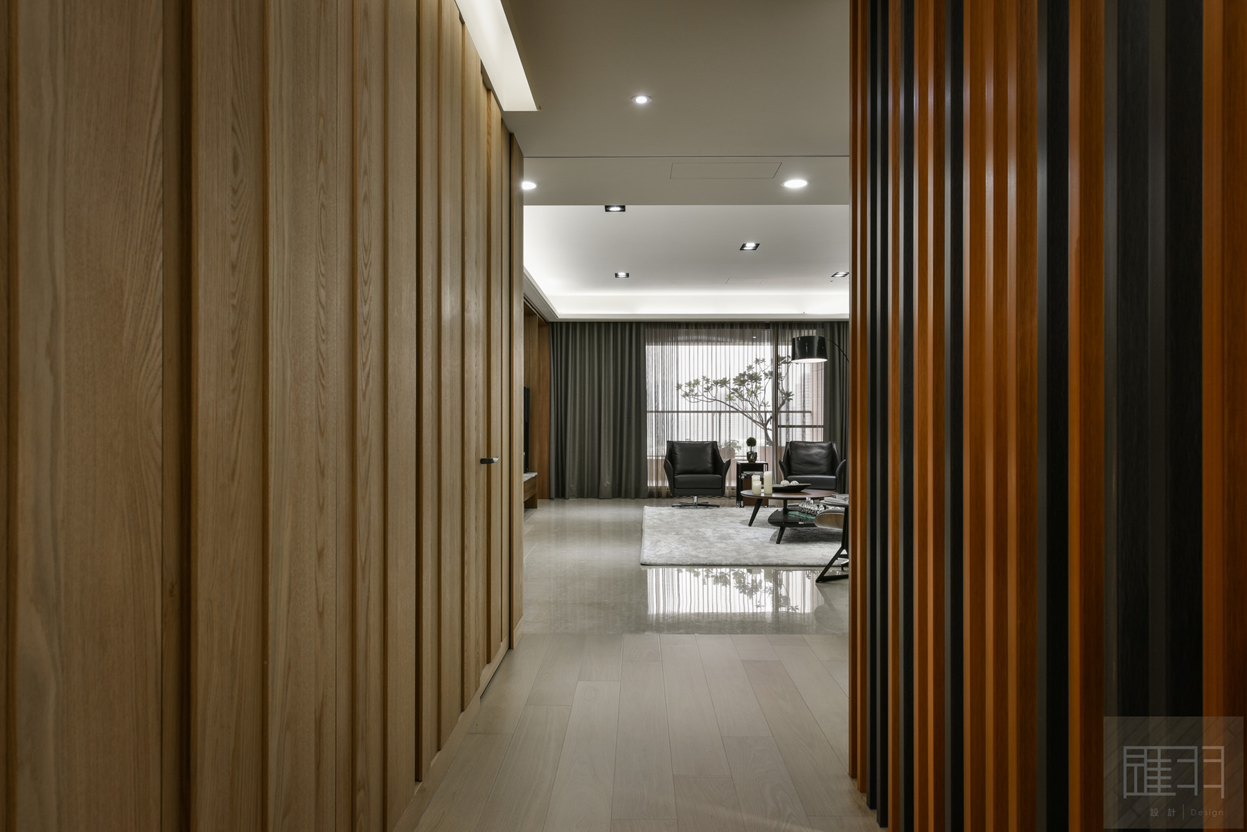 Wood and earthy colour palette modern apartment by Manson Hsiao of Hui-yu Interior Design-03